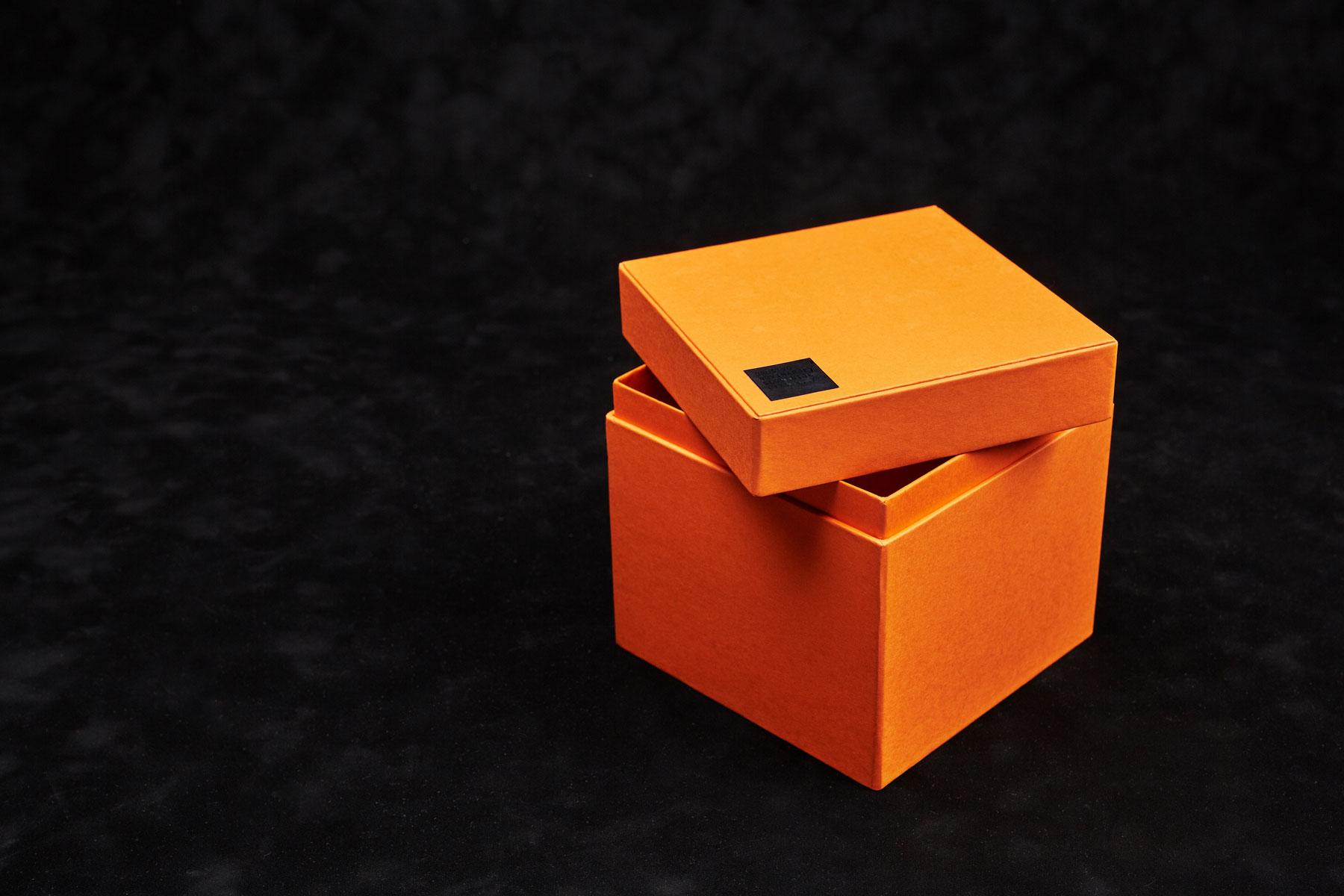 Škatla s pokrovom