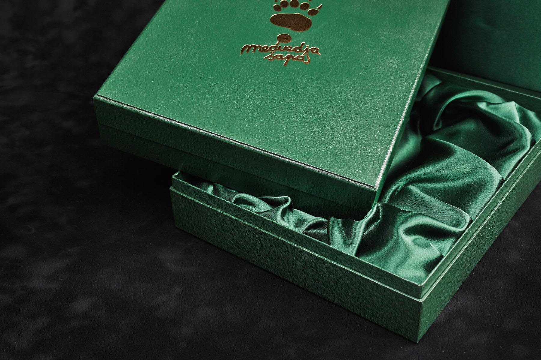 Škatla z integriranim blagom